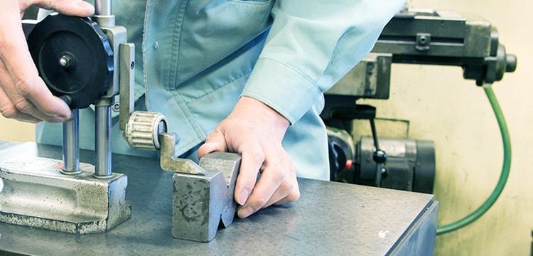 わたしたちの製品は、見えないところで安全・安心と快適を支えています。